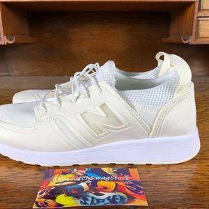 new balance Women's 420 Revlite Off White Sneakers